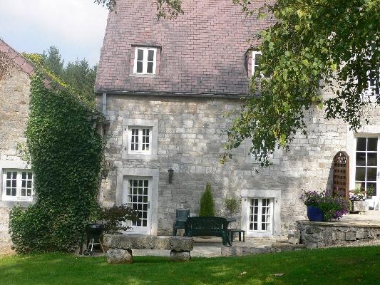 Maison de charme vendre condroz for Assurance gens de maison belgique