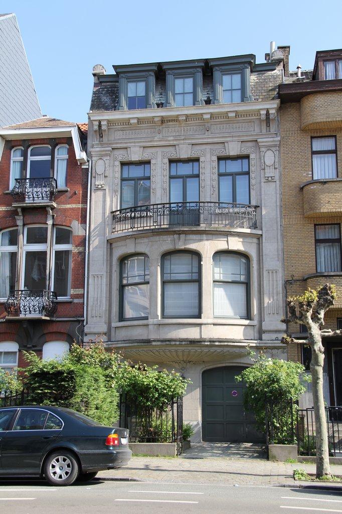 Maison de ma tre vendre schaerbeek for Architecture maison de maitre