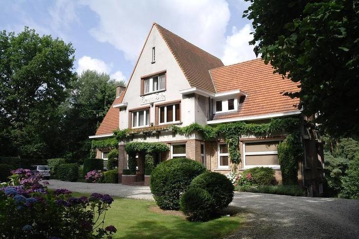 Villa vendre saint sauveur pays des collines for Assurance gens de maison belgique